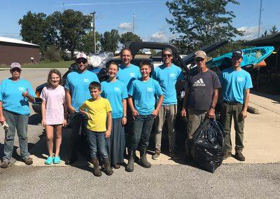 stream cleanup volunteers